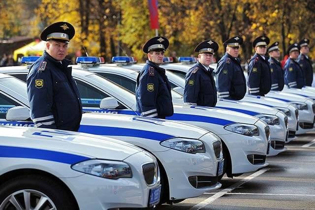 Зарплата сотрудников полиции в 2021 году2